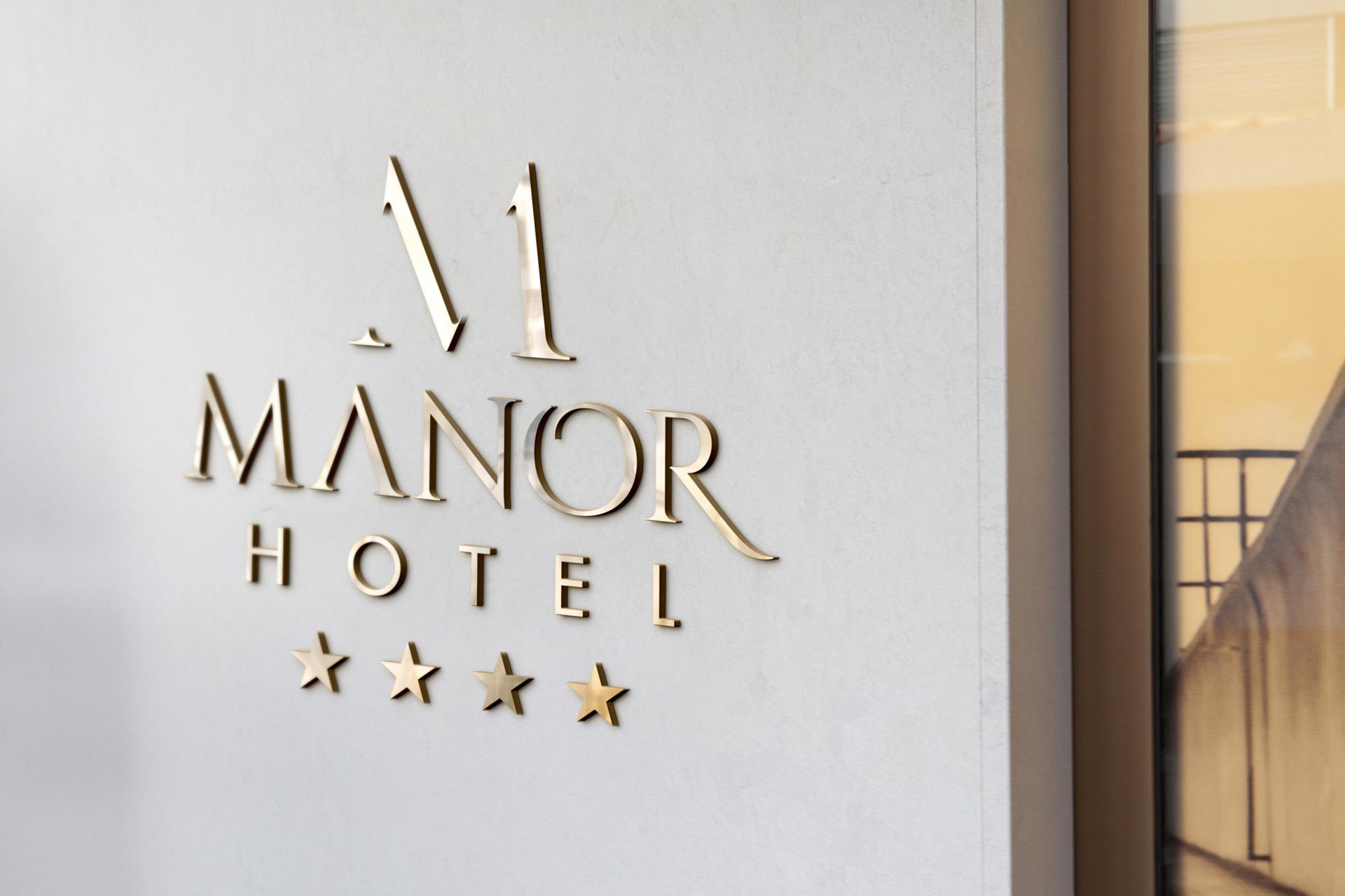 logo-design-manor-hotel-brandcreators-wallpaper